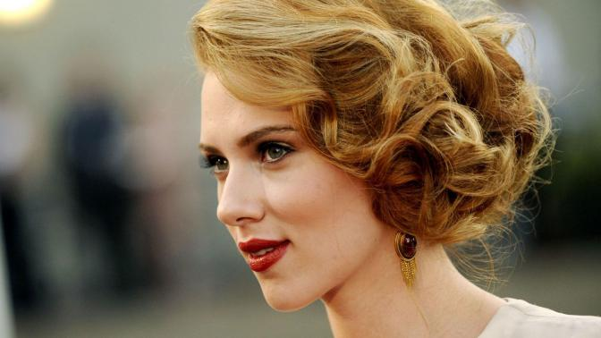 Most-Beautiful-Eyes-scarlett-johansson