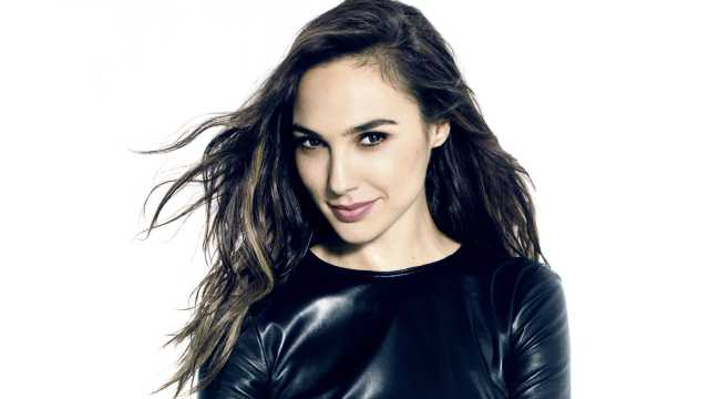 Adorable-Woman-Gal-Gadot