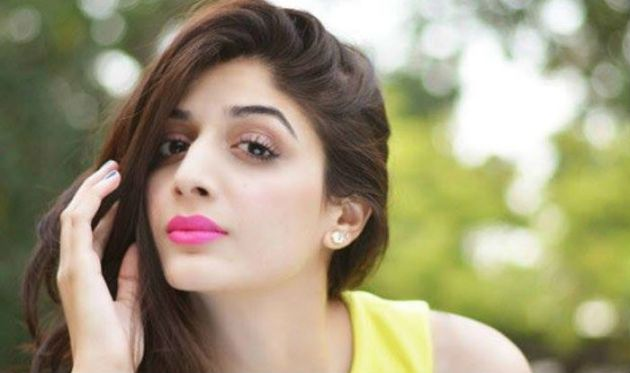 Adorable-Woman-Mawra-Hocane