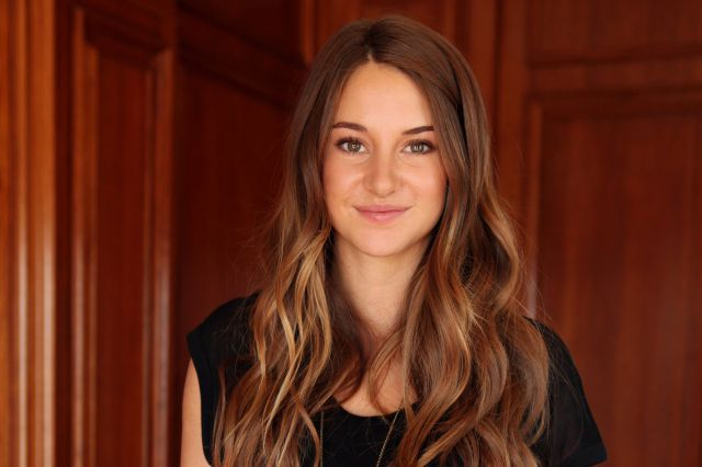 Adorable-Woman-Shailene-Woodley