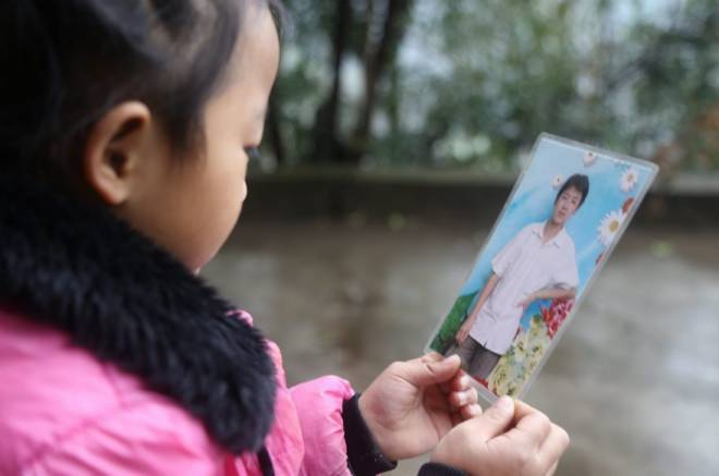Anna-Wang-Chinese-Girl-Helping-Grand-Parents-3