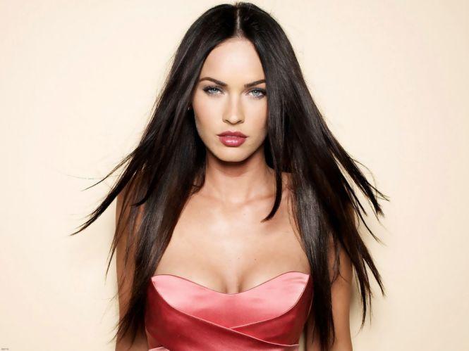 Attractive-Woman-Megan-Fox