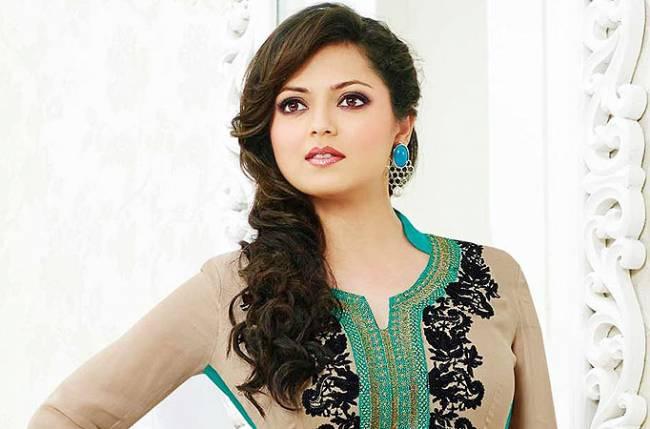 Beautiful-Indian-TV-Serial-Actress-Drashti-Dhami