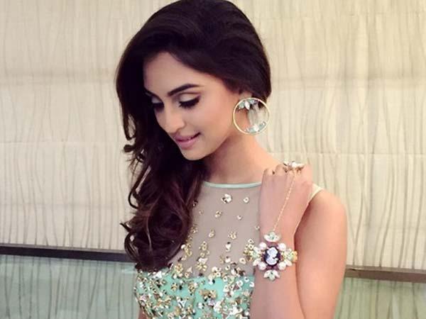 Beautiful-Indian-TV-Serial-Actress-Krystle-Dsouza