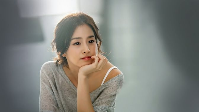 Beautiful-Korean-Actress-Kim-Tae-hee