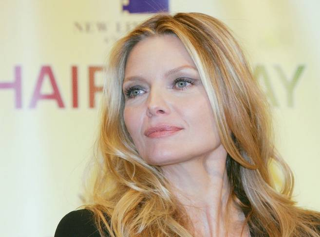 Beautiful-Older-Woman-Michelle-Pfeiffer