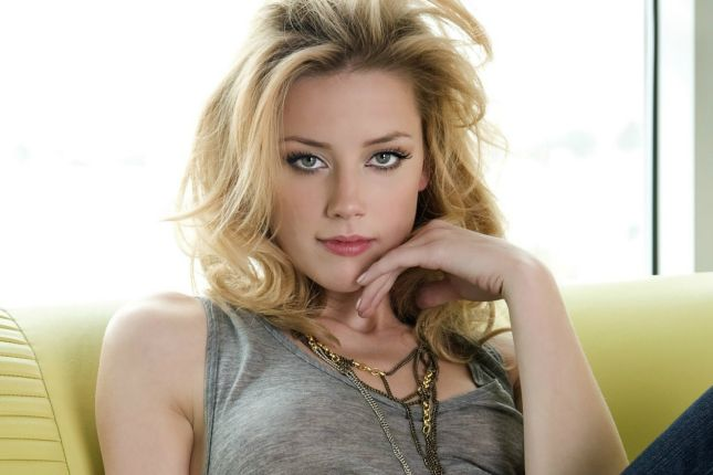 Hot-American-Actress-Amber-Heard