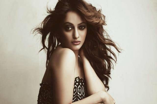 Hot-Marathi-Actress-Manasi-Naik