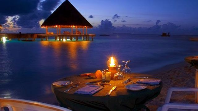 candle-lit-dinner-proposal