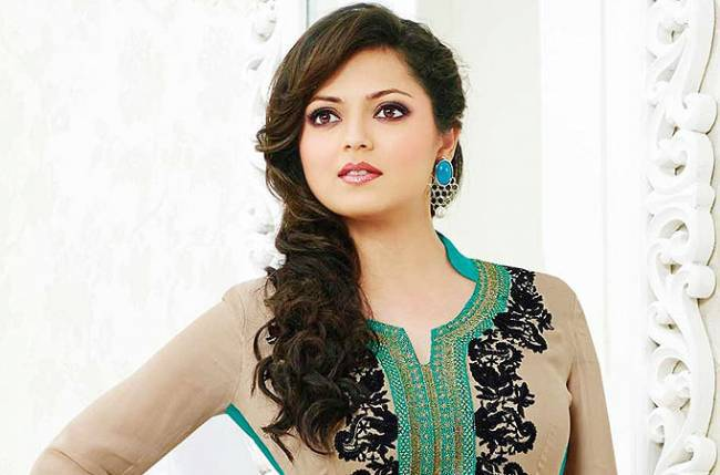 Beautiful-Indian-Woman-Drashti-Dhami