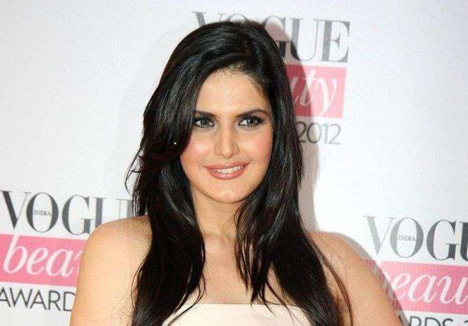 Beautiful-Indian-Woman-Zarine-Khan