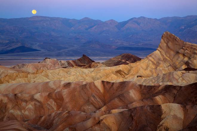 Dangerous-Place-Death-Valley-USA