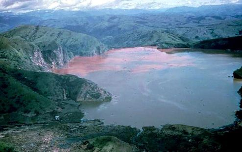 Dangerous-Place-Lake-Nyos-Cameroon