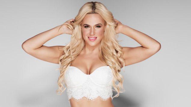 Hottest-WWE-Diva-Lana