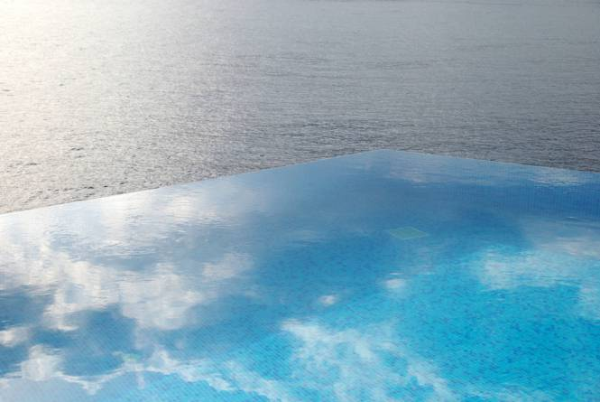 Infinity-Pool-at-Hotel-Villa-Mahal-Turkey