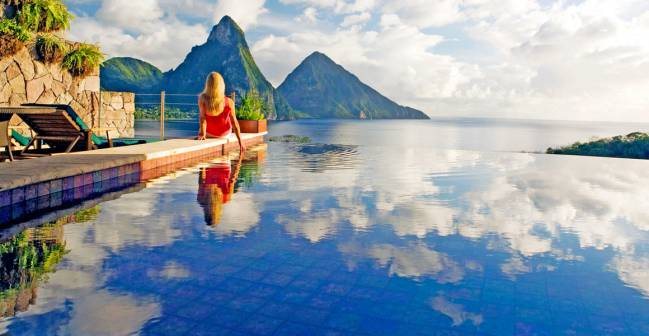 Infinity-Pool-at-Jade-Mountain-St-Lucia