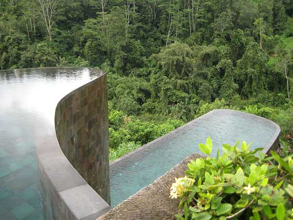Infinity-Pool-at-Ubud-Hanging-Gardens-Indonesia