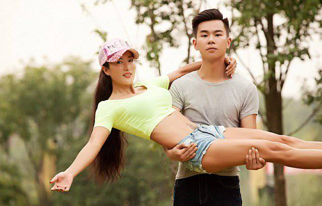 Liu-Yelin-Chinese-Super-Fit-Mother-5