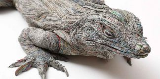 Japanese Artist Rolling Newspapers Animal Sculptures