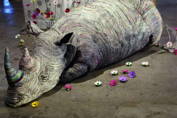 Japanese-Artist-Rolls-Newspaper-Animal-Sculptures-9