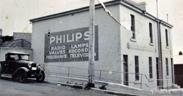 Philips-Lamps-Radio