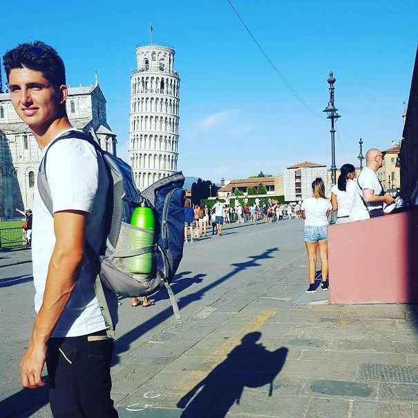 Posing-with-leaning-tower-of-pisa-2