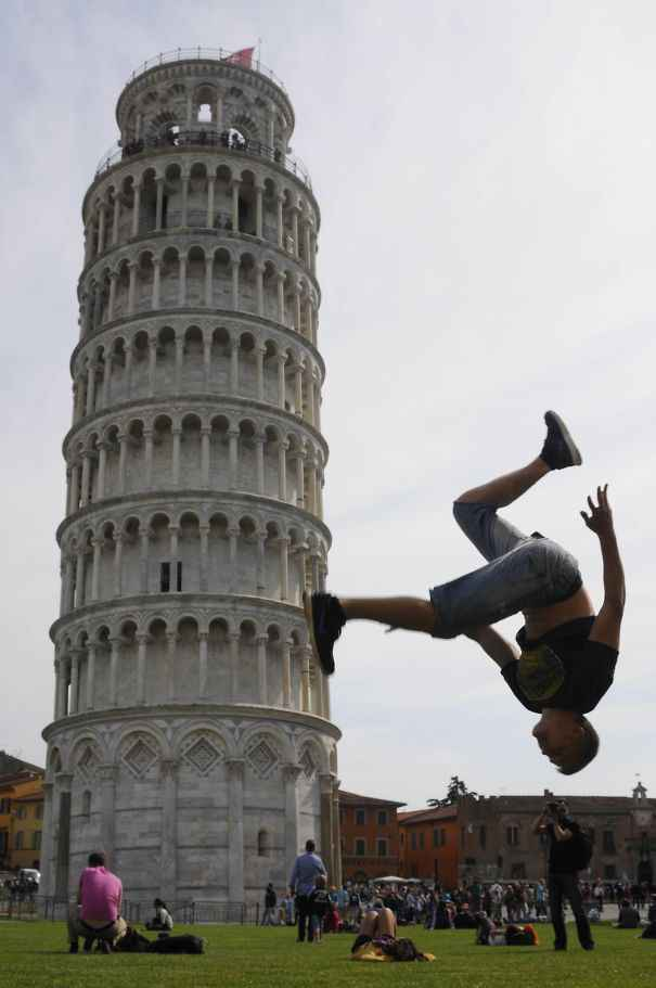 Posing-with-leaning-tower-of-pisa-9