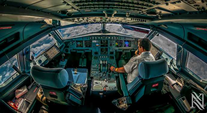 Stunning-Photographs-Airplane-Captain-4
