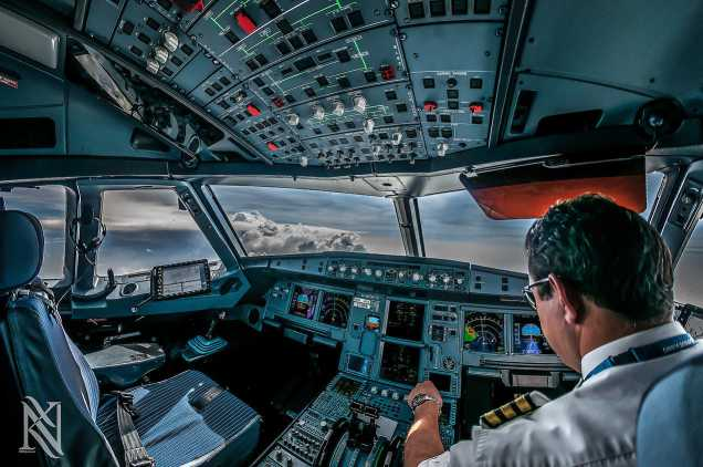 Stunning-Photographs-Airplane-Captain-8