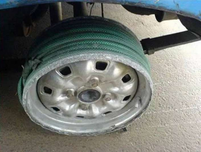Flat-Tyre-Funny-Solutions-1