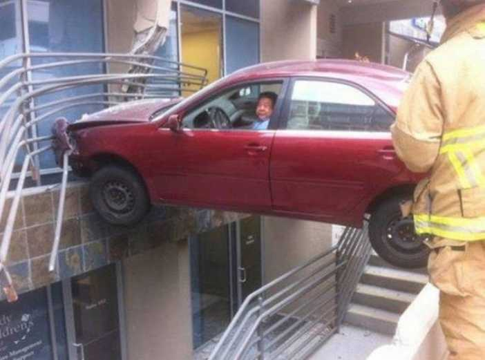 Hilarious-Car-Parking-Skills-7