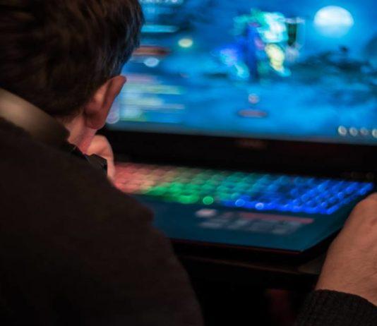 Budget-Gaming-Laptop-Specs-534x462